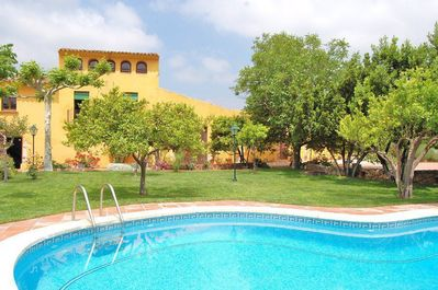 Masia Gaudí is a 450m2 large holiday home with room for 16 (+2) guests