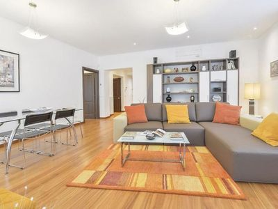 Photo for Spacious Anselmi apartment in Duomo with WiFi & integrated air conditioning.