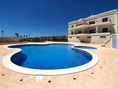 Photo for Luxurious 2 bedroom apartment with sea views in Porto De Mos