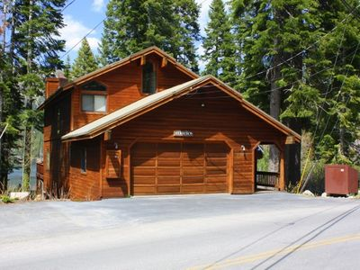 Photo for 5 bedroom, 4 bath, sleeps 10. South Shore of Donner Lake DLR#081
