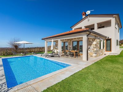 Photo for Gorgeous villa with pool and terrace surrounded by nature !