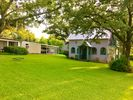 1BR Guest House Vacation Rental in Graham, Texas