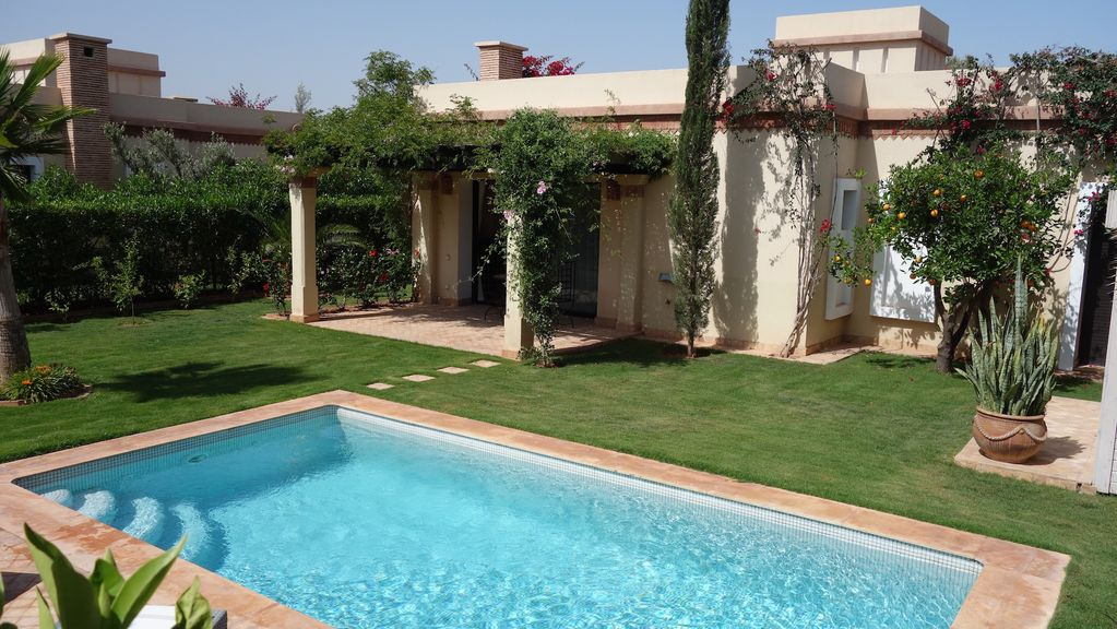 Charming villa with private pool between ag vrbo for Villa a louer agadir avec piscine