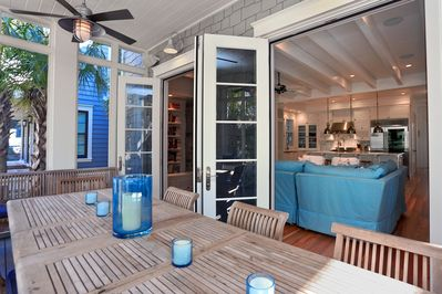Outdoor Dining Adjacent to Beach Access!
