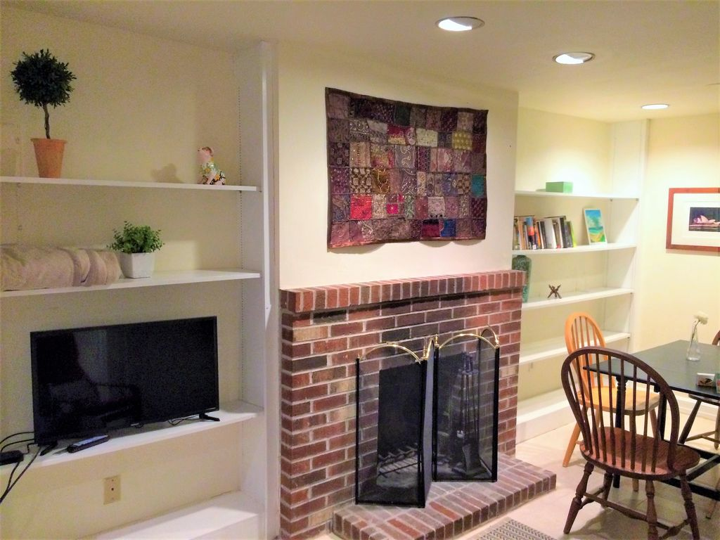 Property Image#2 Charming Capitol Hill Apartment In Heart Of DC (NEW!)