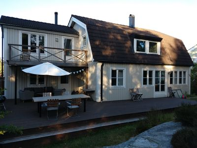 Photo for Villa in nice suburb to Stockholm, close to lake, archipelago and sea
