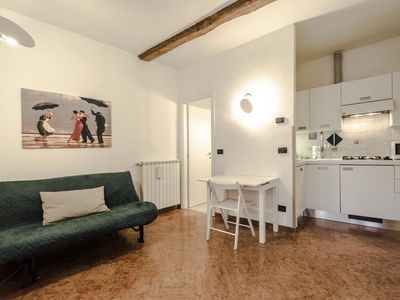 Photo for Marchi apartment in Bologna with WiFi & integrated air conditioning.