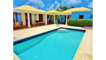 Casa de Vista - Private Hilltop Home, views of Christiansted to Salt River Bay!