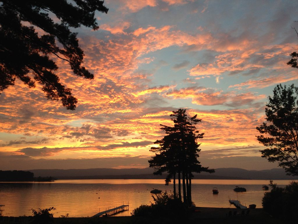 Lake Front Home with Sunset/Mountain Views, Sandy Beach ...