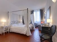 Comfortable and convenient home base for walking tours of Florence