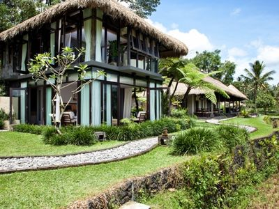 Photo for Tranquil and Luxurious 4 Bedroom villa