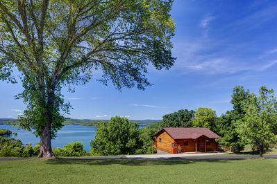 Experience the beauty of the Ozarks on Beaver Lake!