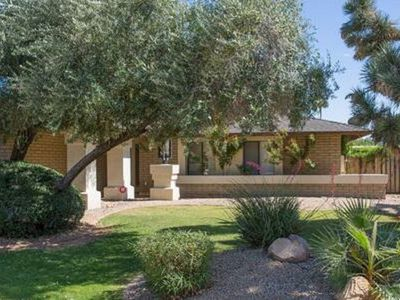 Beautiful Home Located In The Heart Of North Scottsdale with PRIVATE HEATED POOL