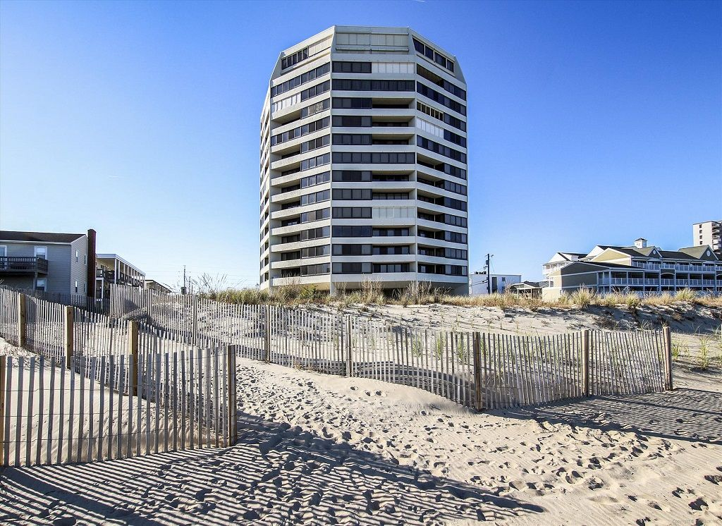 Stay Oceanfront In Mid Town Oc Pool Voll Vrbo