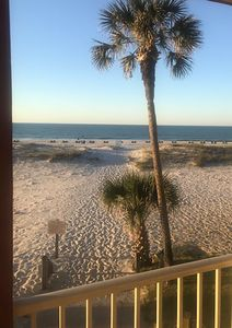 Nice Beach Front Condo.  Professionally Cleaned, Flexible Booking!