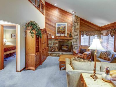 Photo for Wonderful condo with underground parking, Walk to Canyon Lodge, Close to hiking trails