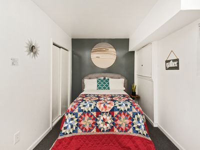 Photo for Private 1BR Apartment with Kitchen, 2min to Train to NYC