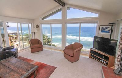 Photo for Convenient Location with Spectacular Views in Central Lincoln City