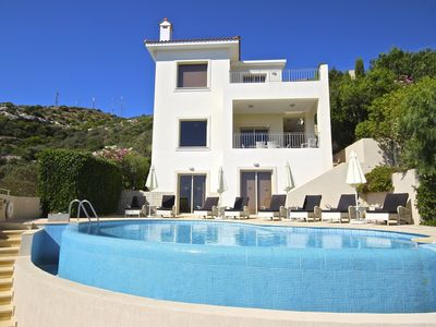 Photo for Spectacular Villa With Private Infinity Pool + Free WIFI