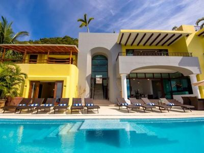 Photo for Confortable 5 Bedrooms villa Perfect for Families! Amazing Ocean Views!