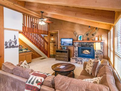 Photo for 4BR w/ Hot Tub, Deck & Northstar Rec Pool & Amenities - 1 Mile to Village
