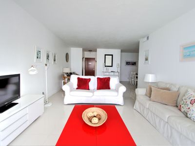 Photo for Excellent Hollywood 2BD Condo