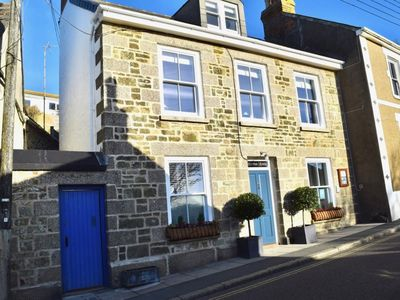 Photo for Stunning B&B occupying the entire upper floor of Britannia Housewith sea views