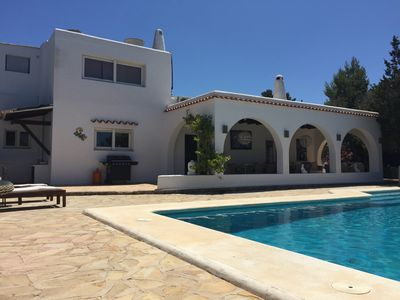 Photo for Beautiful Large Contemporary Villa, Sky TV, Wifi, 5 minute walk to the beach.