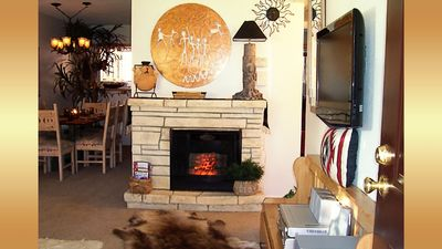 DISCOUNTED TO $65/night - FEBRUARY $1,885- ALL UTILITIES, Wi-Fi, CABLE PROVIDED