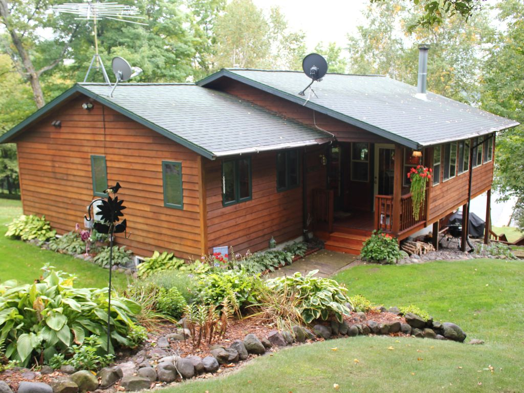 offers of wisconsin and united home a business properties cabin living in cabins quarters blakely offering rental waterfront the hook rentals rent rv hobbit country campsites an establised primitive park with ups is wi w blakley