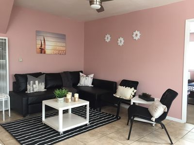 Sun And Sand Apt. 1 Steps to the Beach! Kid Friendly and Close To Town.