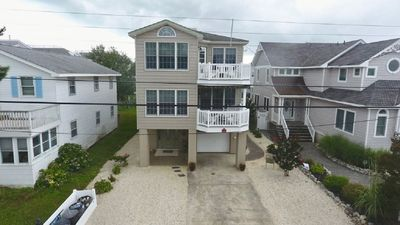 Photo for Spacious 6br Oceanside Home. Close to all in Beach Haven.