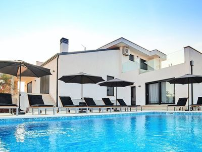 Photo for Beautifully decorated villa with pool ideal for vacation with your family.