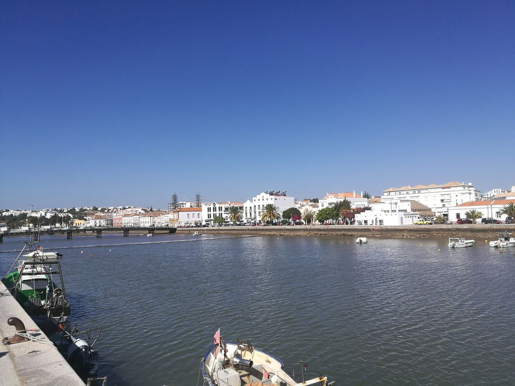 Tavira Gardens Light Flooded Portugese Style Apartment