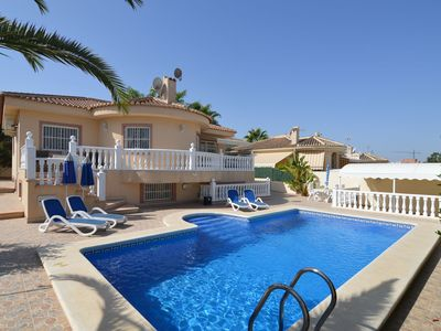 Photo for Large villa with private pool and five bedrooms in Benijofar