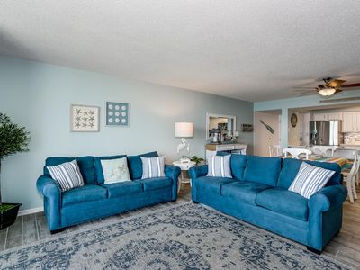 Photo for Spectacular 2 bed/2 bath Newly Renovated Condo on Pensacola Beach!
