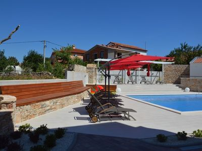 Photo for Apartment in the center of Peroj with Parking, Internet, Air conditioning, Pool (692786)