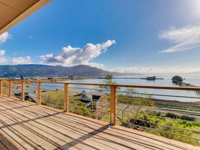 Photo for Gorgeous home overlooking the bay near a boat launch - dog-friendly!