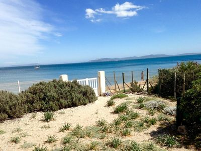 Photo for Waterfront property with private access to the beach