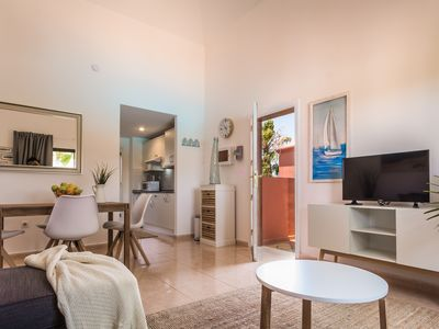 Photo for New *** Airy & Bright Modern 1 Bedroom Apartment