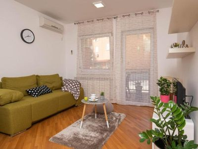 Photo for 1BR Apartment Vacation Rental in Pula, Istrien