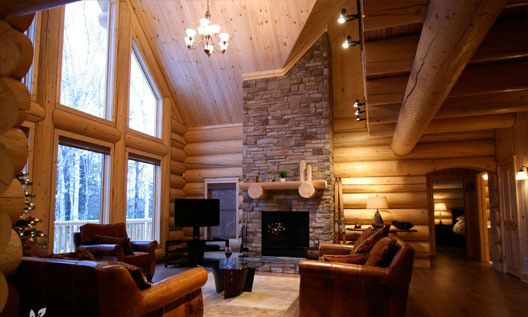 Executive four bears lodge waterfront pri vrbo for Laurentian mountains cabin rental