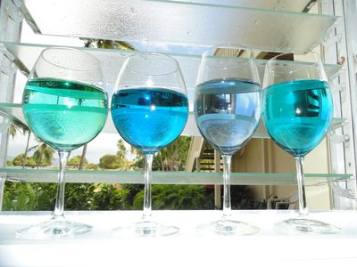 Some of the beautiful colors of the water of Sapphire Bay
