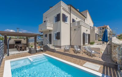 Photo for Luxury villa with pool, jacuzzi and sauna, close to the beach and nature park