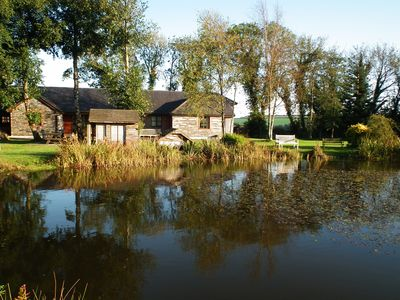 Photo for Beech - 2 bedroom lakefront cottage with fishing, indoor pool & hot tub