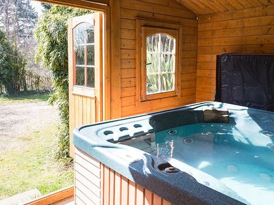 "Photo for Ralph's Spa Barn  self catering.OWN  Hot Tub Wifi 49"" widescreen TV new"