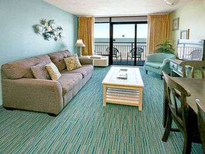 Photo for Beautiful Newly Remodeled 1bd, Direct Oceanfront w/Amazing View, sleeps 8