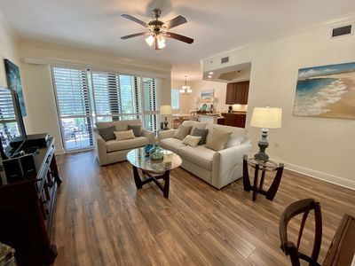 Photo for Relaxing Resort Condo Close to Downtown Naples!