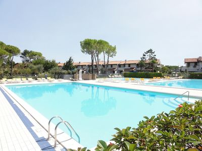 Photo for Holiday house with outdoor swimming pool