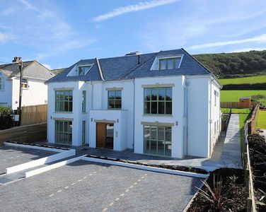 Photo for 4 Point View AWARD-WINNING 3 Bedroom Apartment - 3 minute walk from Croyde Beach